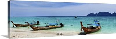 Thailand, Phi Phi islands, View of Phi Phi Leh island from Phi Phi Don