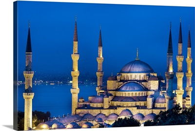 Turkey, Istanbul, Bosphorus, Blue Mosque, Sultan Ahmed Mosque, The mosque at night
