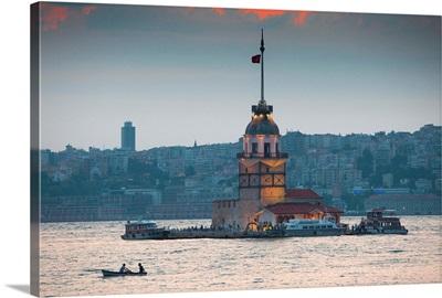Turkey, Marmara, Istanbul, Kiz Kulesi or Maiden's Tower in Uskudar District