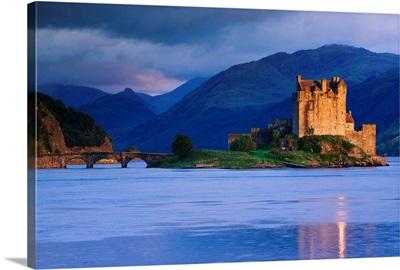 UK, Scotland, Highlands, Eilean Donan Castle, near Dornie village, and Loch Duich bay