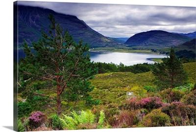UK, Scotland, Highlands, Loch Torridon and Liatach mountain in background