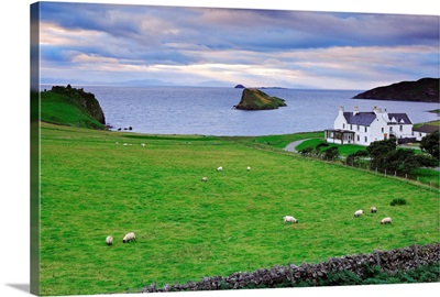 UK, Scotland, Highlands, Skye island, Lewis and Harris islands in background