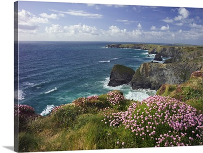 United Kingdom, England, Cornwall, Bedruthan Steps on the Southwest Coast Path