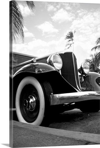 United States, Florida, Miami, Art Deco district, vintage car Wall ...