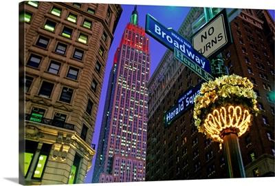 US, New York City, Manhattan, Empire State Building