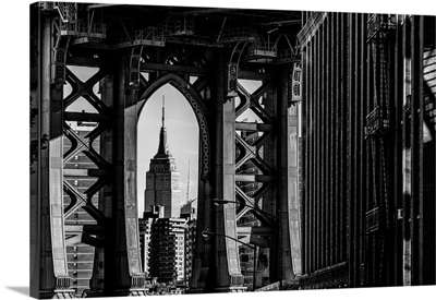 USA, New York City, Classic View With Empire State Building Framed By Manhattan Bridge