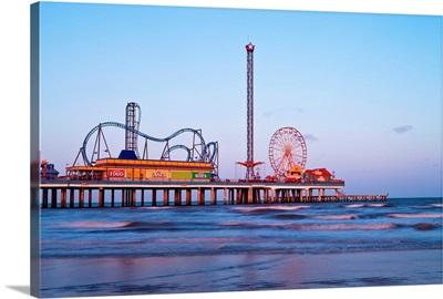 Usa, Texas, Galveston, Historic Pleasure Pier
