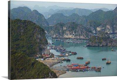 Vietnam, Northeast, Halong Bay, Chalk cliffs of Cat Ba Island, Ha Long Bay, Quang Ninh