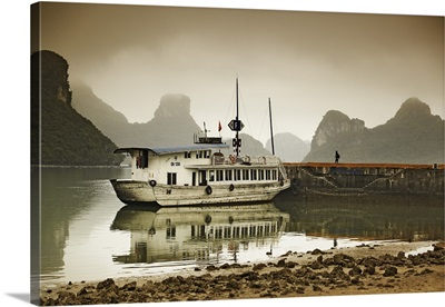 Vietnam, Northeast, Halong Bay, Tourist boat in the bay