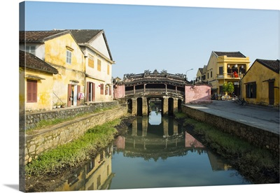 Vietnam, South Central Coast, Hoi An, The Japanese bridge in the old town