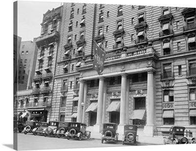 President's flag hanging above the entrance to Washington, D.C.'s Willard Hotel