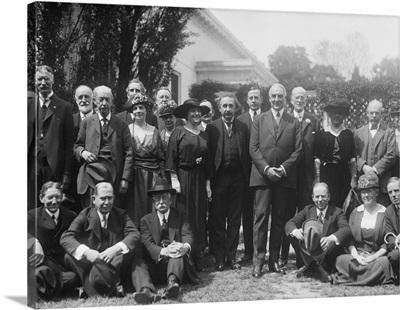 White House group with physicist Albert Einstein and President Warren Harding