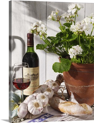 Figaro wine garlic French bread