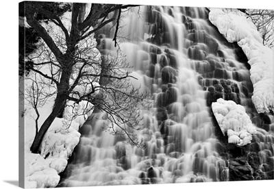 Oshinkoshin Falls II