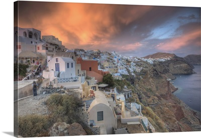 Along the cliff of Oia, houses have been delved into the porous volcanic rock