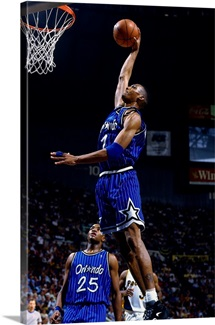 Anfernee Hardaway of the Orlando Magic dunks against the Indiana Pacers
