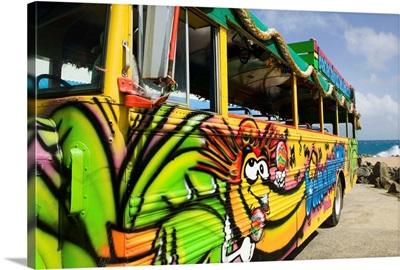 Banana bus transport, Natural Bridge, Paradera