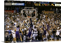 Boris Diaw 3 of the Phoenix Suns puts up a shot