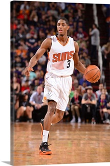 Brandon Knight 3 of the Phoenix Suns drives to the basket