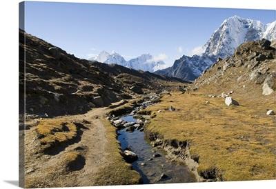 En route to Mount Everest base camp