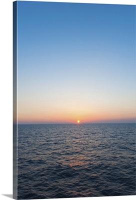Greece, Aegean Sea horizon at sunset