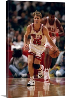 Guard Steve Kerr of the Chicago Bulls during a game against the Sacramento Kings