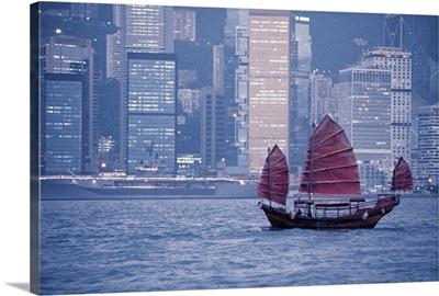 Junk ship in Hong Kong harbor