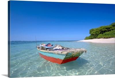 Local boat at Isla Amiga.