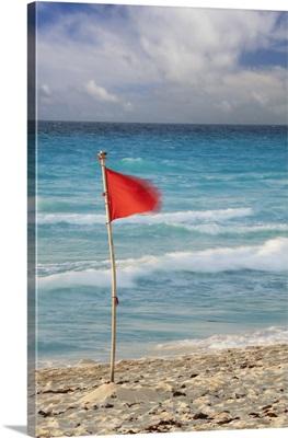 Mexico, Quintana Roo, Yucatan, Cancun, Red flag on beach