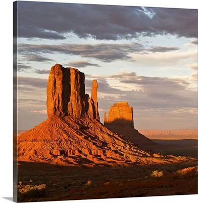 Mittens of Monument Valley at sunset, US.