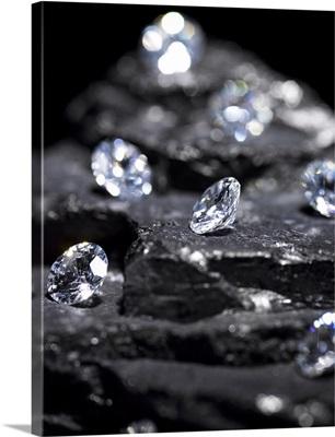 Small diamonds on layered coal
