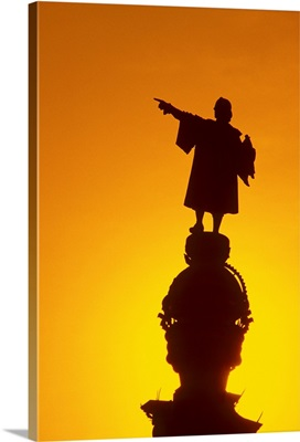 Spain, Barcelona, silhouette of Columbus monument, sunset
