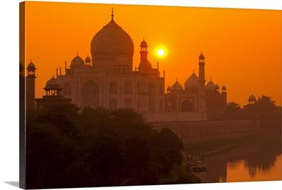 Sunset at Taj Mahal