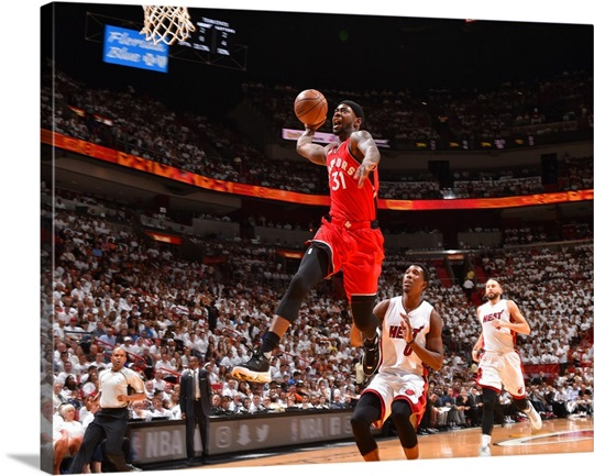 Terrence Ross of the Toronto Raptors goes up for the dunk ...