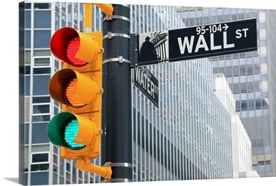 Traffic light and Wall Street sign, New York City, USA