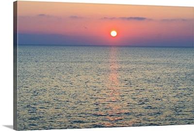 Turkey, Aegean Sea horizon at sunset