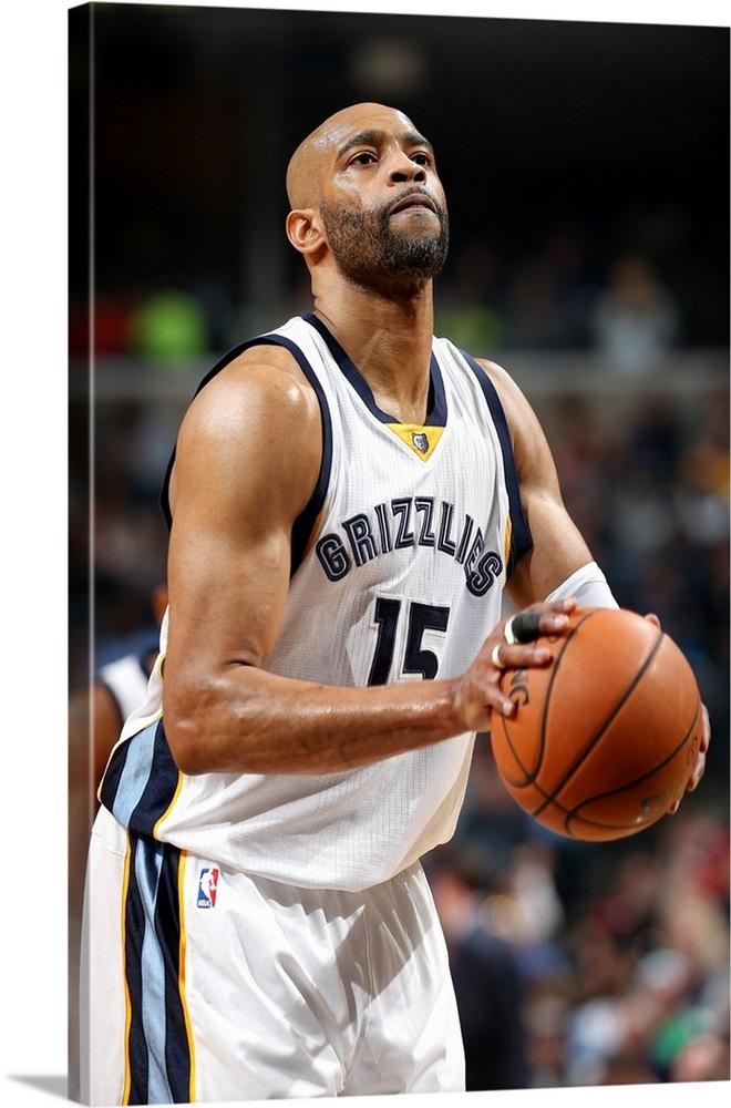 promo code 0b6a7 35c5e Vince Carter 15 of the Memphis Grizzlies shoots a free throw