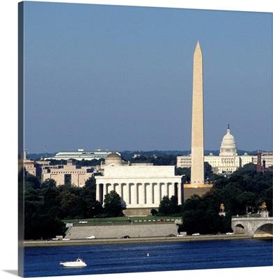 Washington Monument cityscape