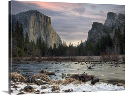 Yosemite valley at Yosemite National Park.