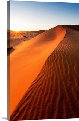Africa, Namibia, Namib Desert, Sossusvlei, Big daddy dune at sunrise