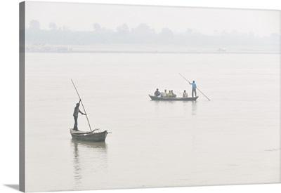 Boatmen in Gandak river, Sonepur Mela, India