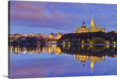 Canada, Ontario, Ottawa, Canadian Parliament across Ottawa River