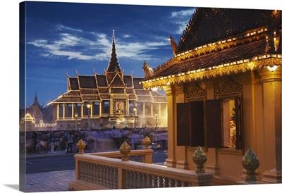 Chan Chaya Pavilion of Royal Palace at dusk, Phnom Penh, Cambodia