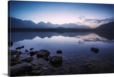 China, Xinjiang, Karakul lake at sunrise