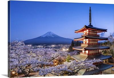 Chureito Pagoda Of The Arakura Sengen Shrine With Mount Fuji, Fujiyoshida, Japan