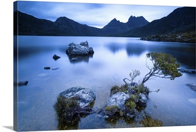Cradle Mountain National Park, Tasmania, Australia. Dove lake at sunrise