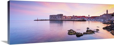 Croatia, Dalmatia, Dubrovnik, Old town, Sunset over the city walls and harbour