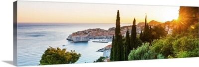 Croatia, Dalmatia, Dubrovnik, Old town, view of the old town at sunset