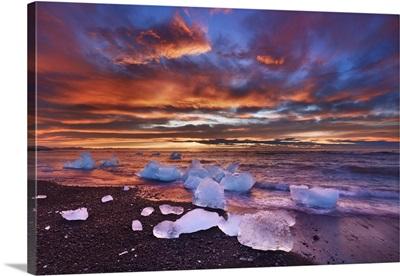 Drift Ice On Lava Beach, Iceland, Eastern Region, Jokulsarlon, Vatnajokull National Park