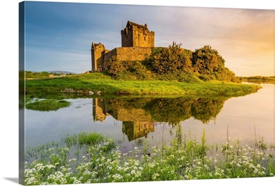 Dunguaire Castle, County Galway, Connacht province, Republic of Ireland, Europe
